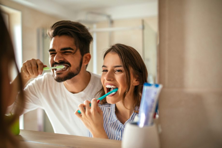 5 Tips for Healthy Teeth During the Holidays